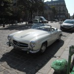 Mercedes 190SL in Paris front