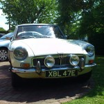 MGB GT 1967 White Front