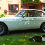 MGB GT 1967 White Left